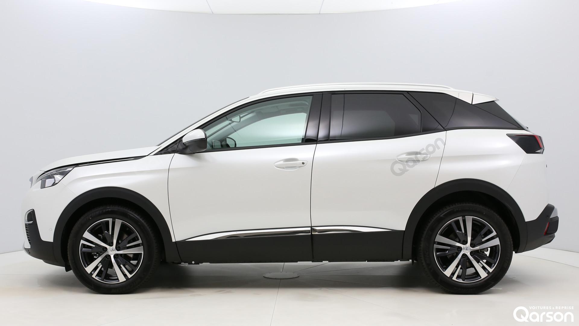 Vue profile gauche Peugeot 3008