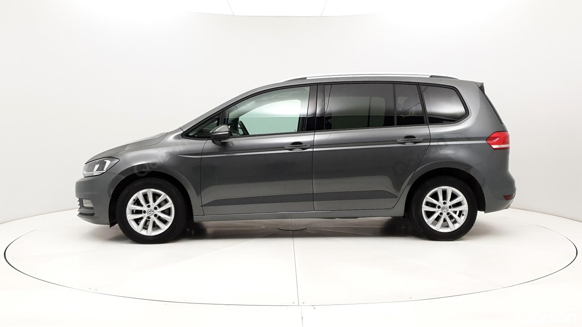 Vue profile gauche VW Touran