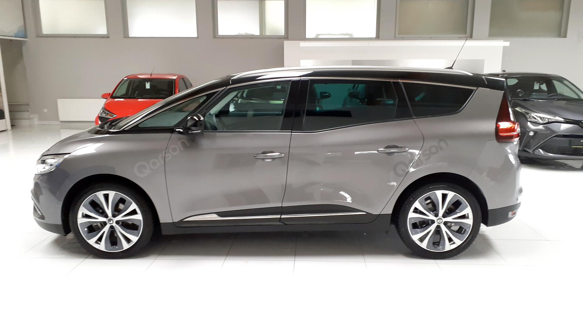 Vue profile gauche Renault Scenic GRAND