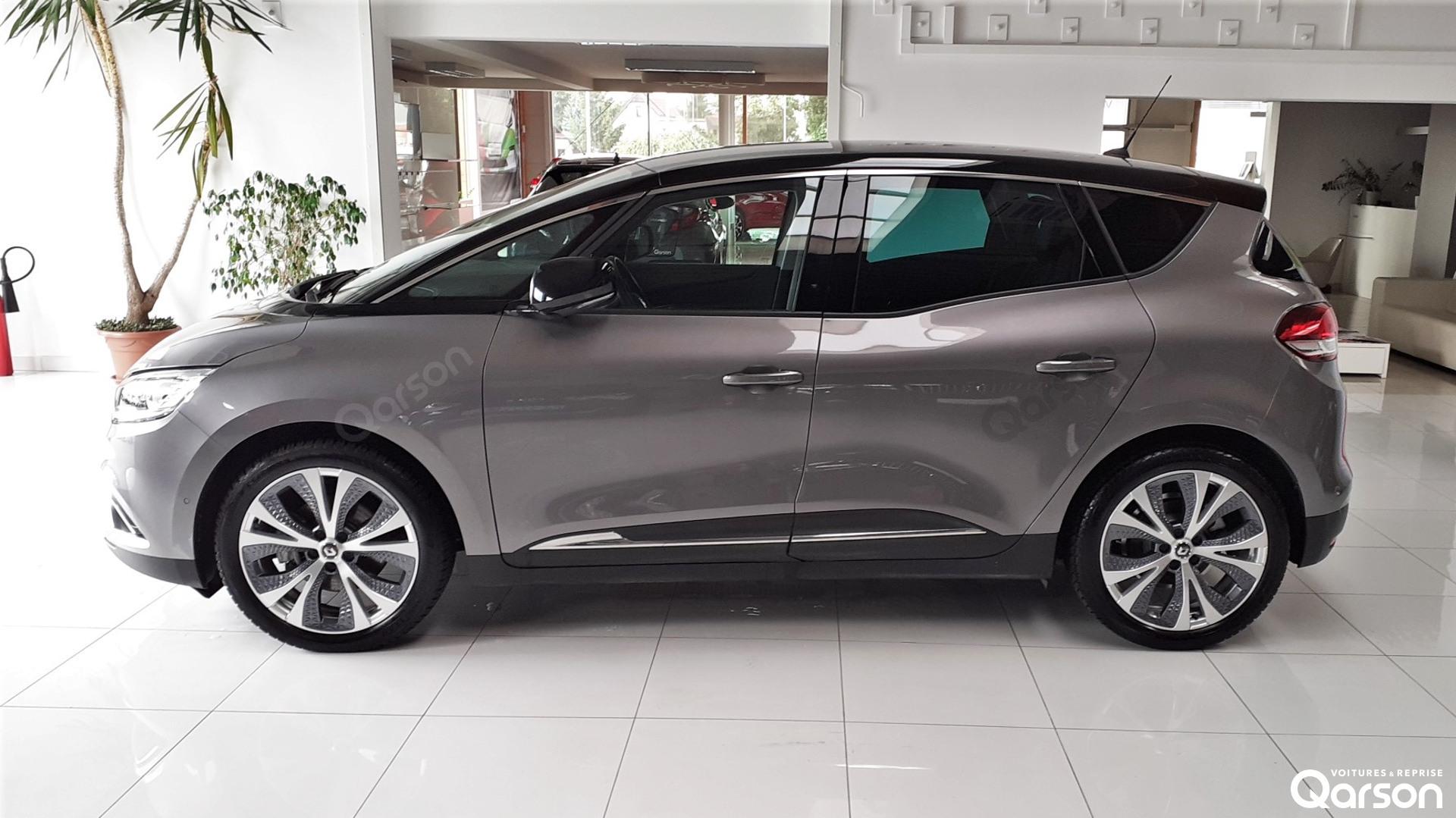 Vue profile gauche Renault Scenic 5P