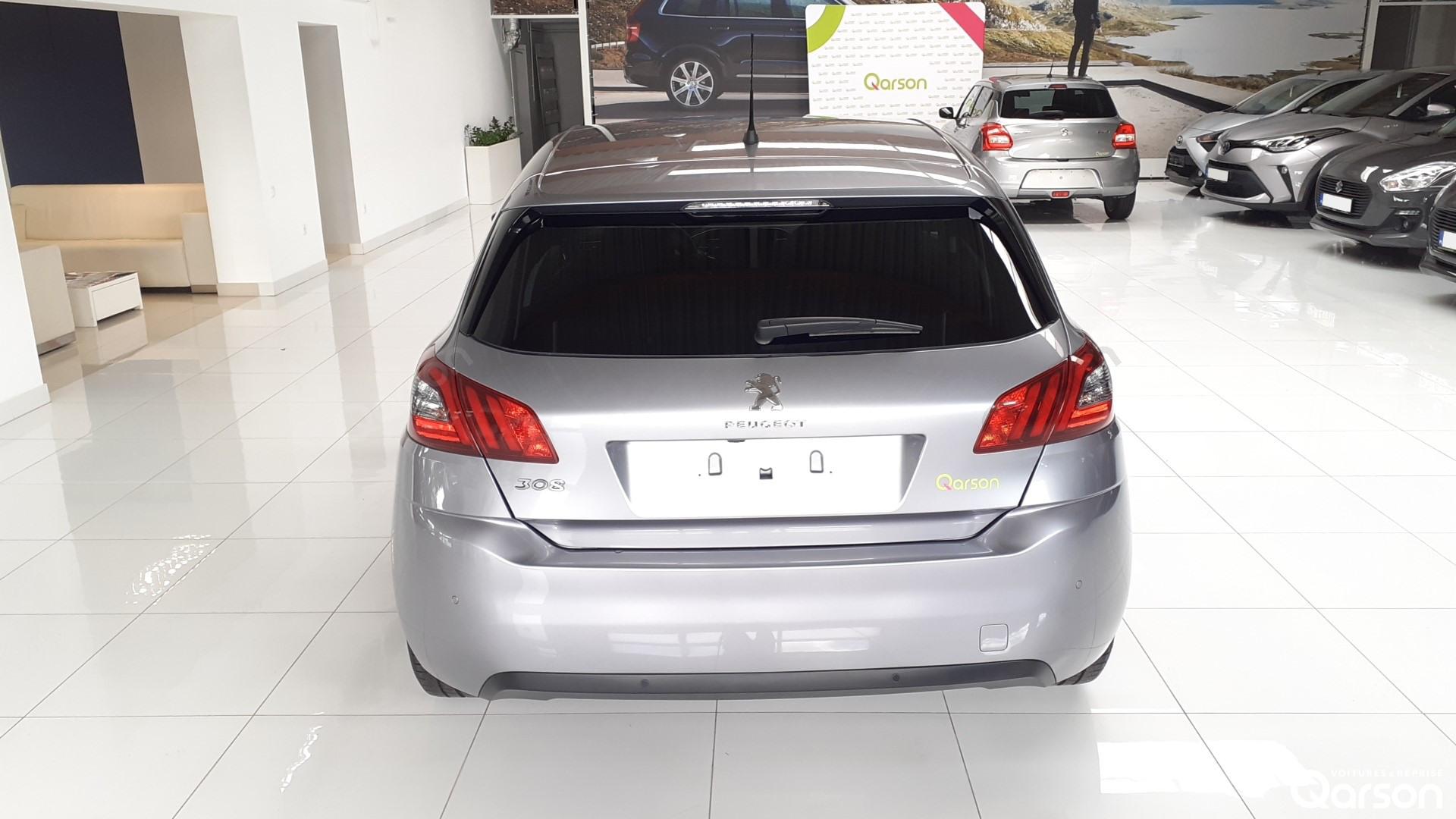 Vue arrière Peugeot 308 5P