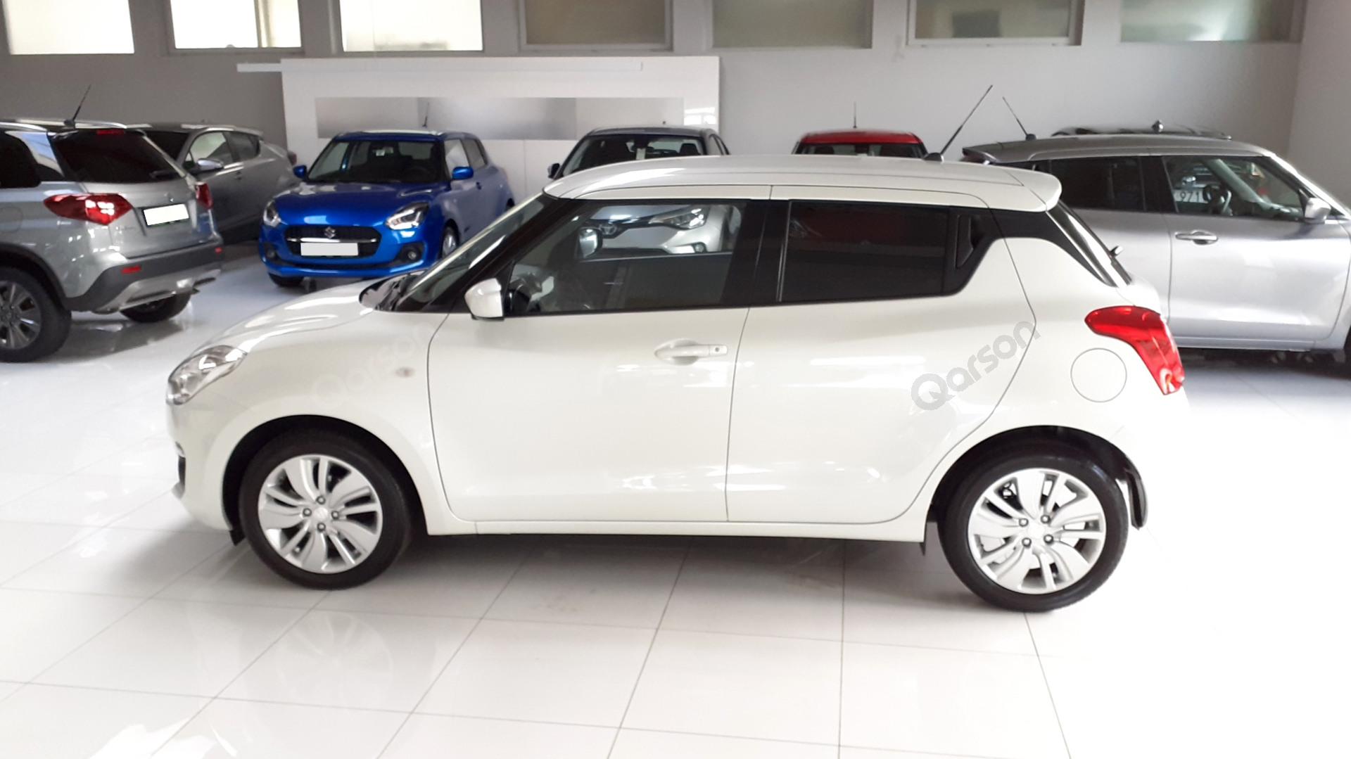 Vue profile gauche Suzuki Swift 5P