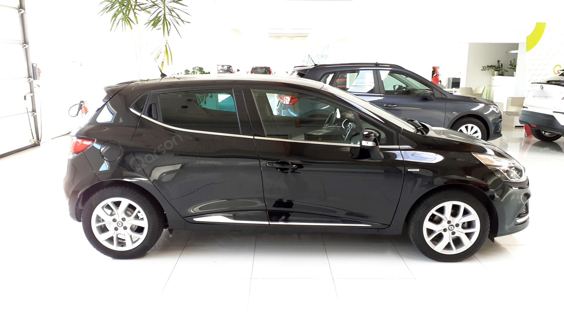 Vue profil droit Clio 5P